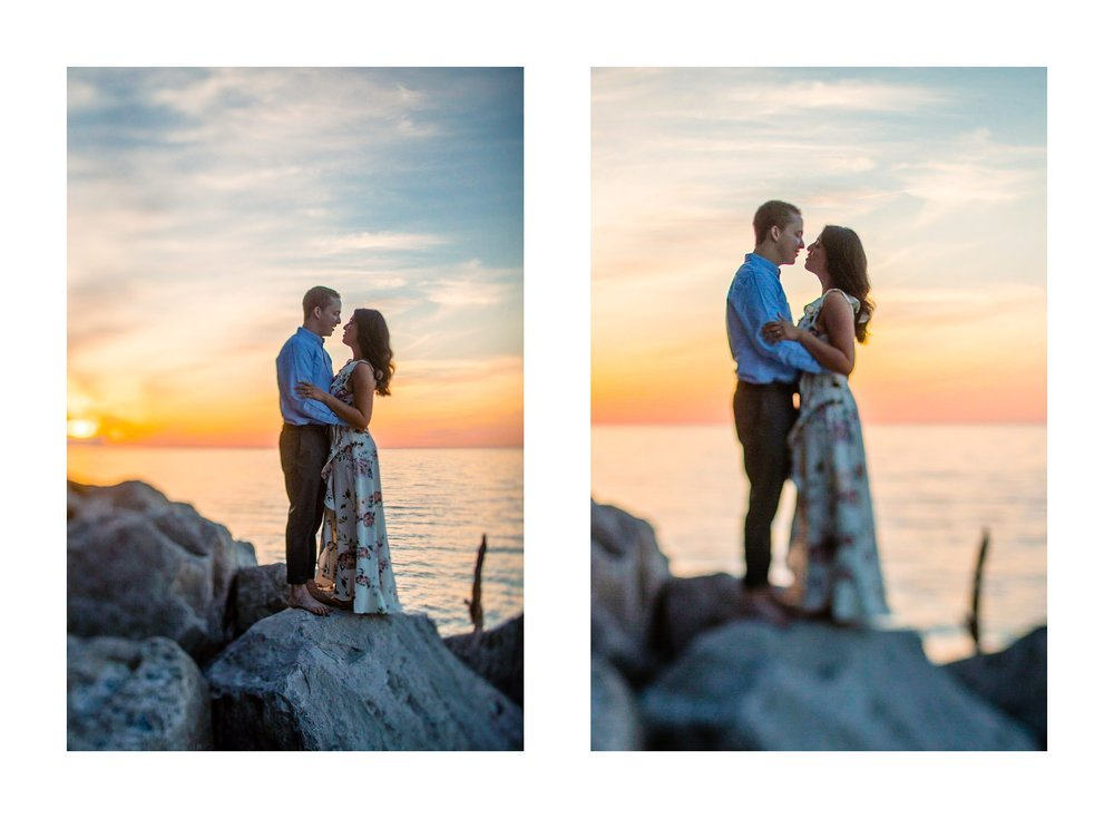 Cleveland Edgewater Beach Engagement Session 31.jpg