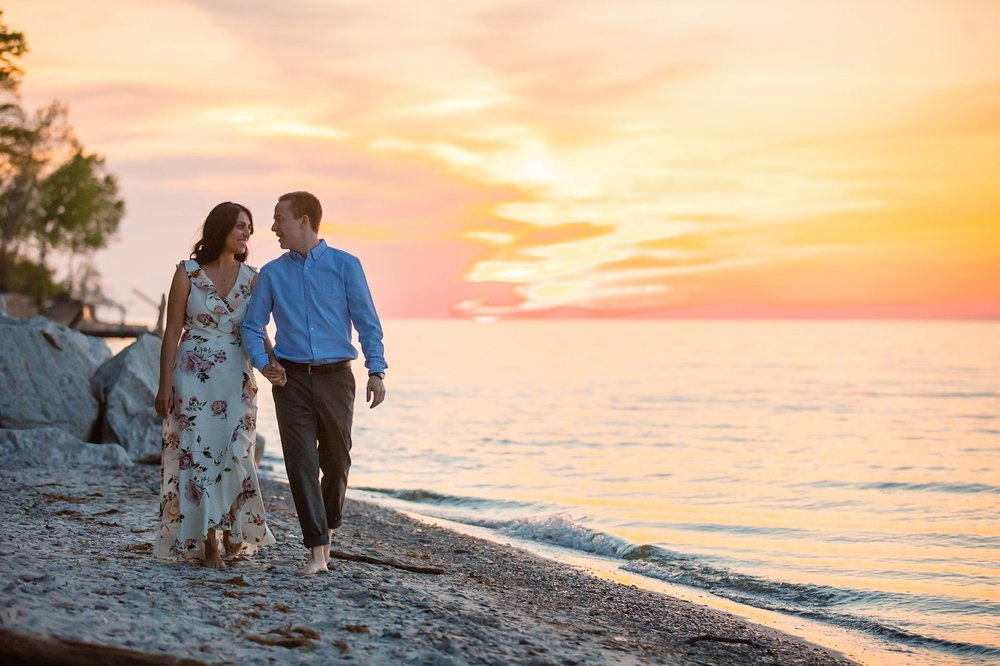 Cleveland Edgewater Beach Engagement Session 32.jpg
