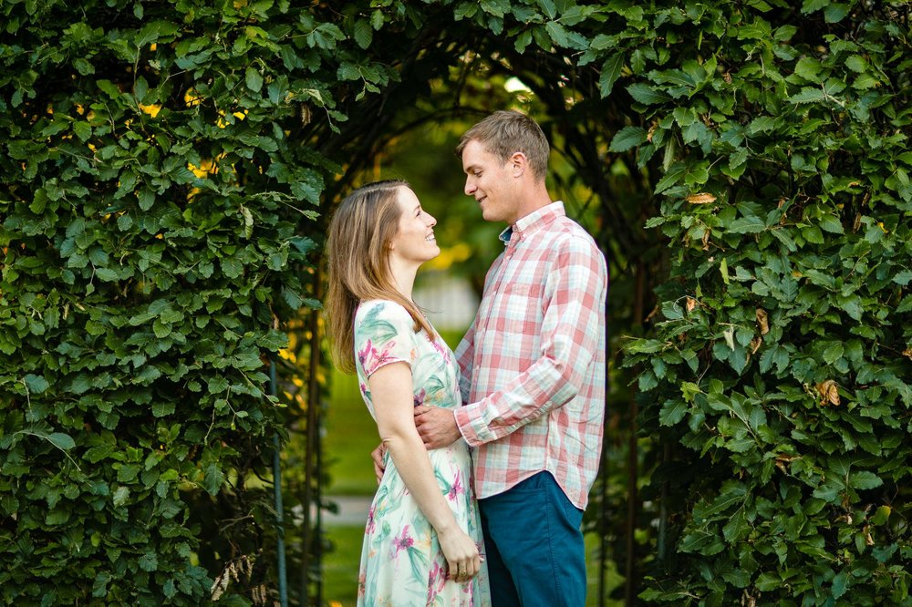 Cleveland Summer Engagement Photographer 17.jpg