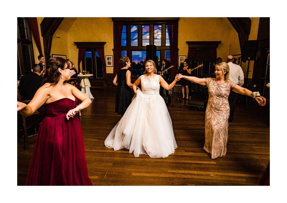 Canterbury Golf Club in Beachwood Wedding Photographer 59.jpg