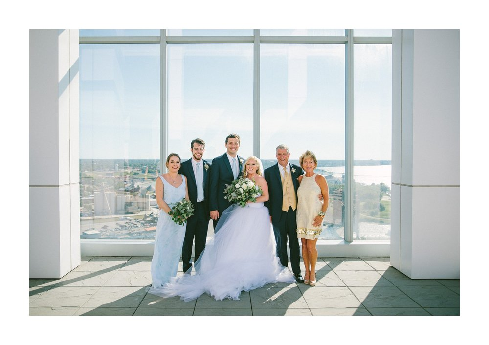 Aloft Hotel Lago Wedding Photographer in Downtown Cleveland 53.jpg