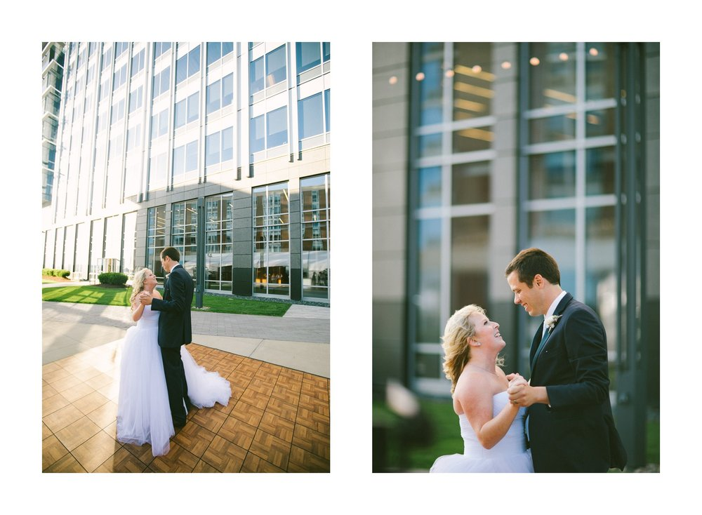Aloft Hotel Lago Wedding Photographer in Downtown Cleveland 72.jpg
