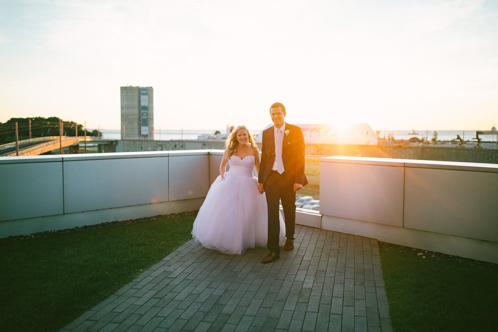 Aloft Hotel Lago Wedding Photographer in Downtown Cleveland 86.jpg
