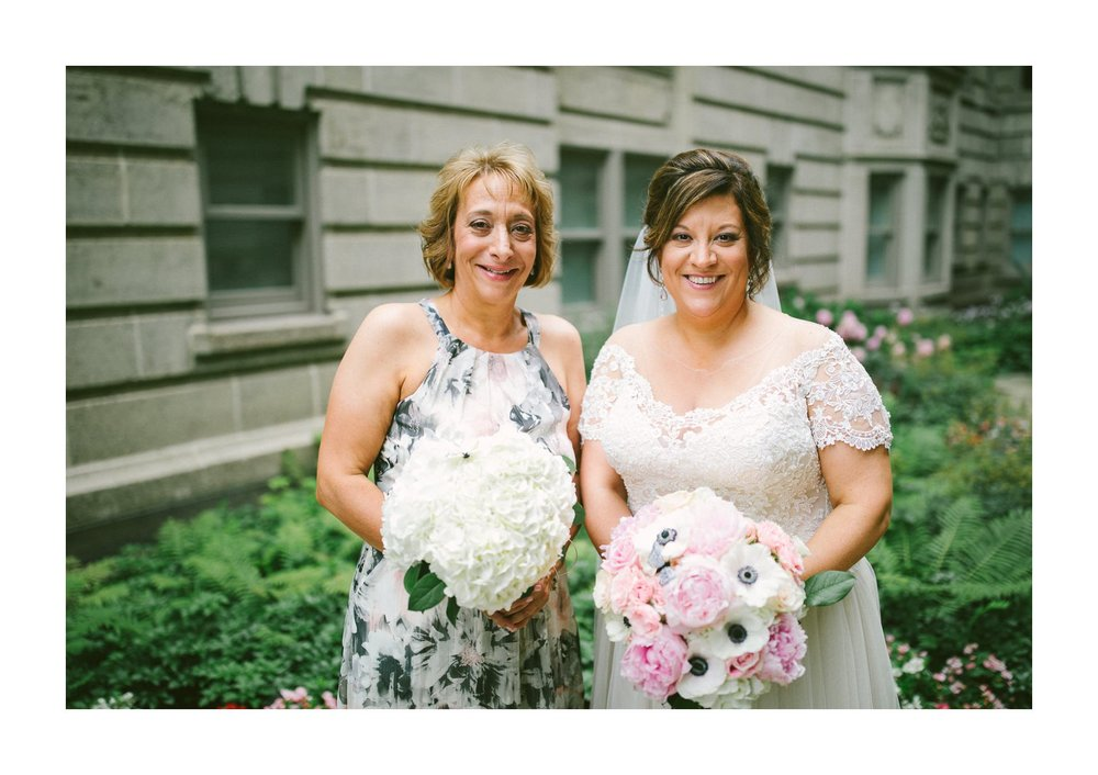 Cleveland Wedding Photographer 11.jpg