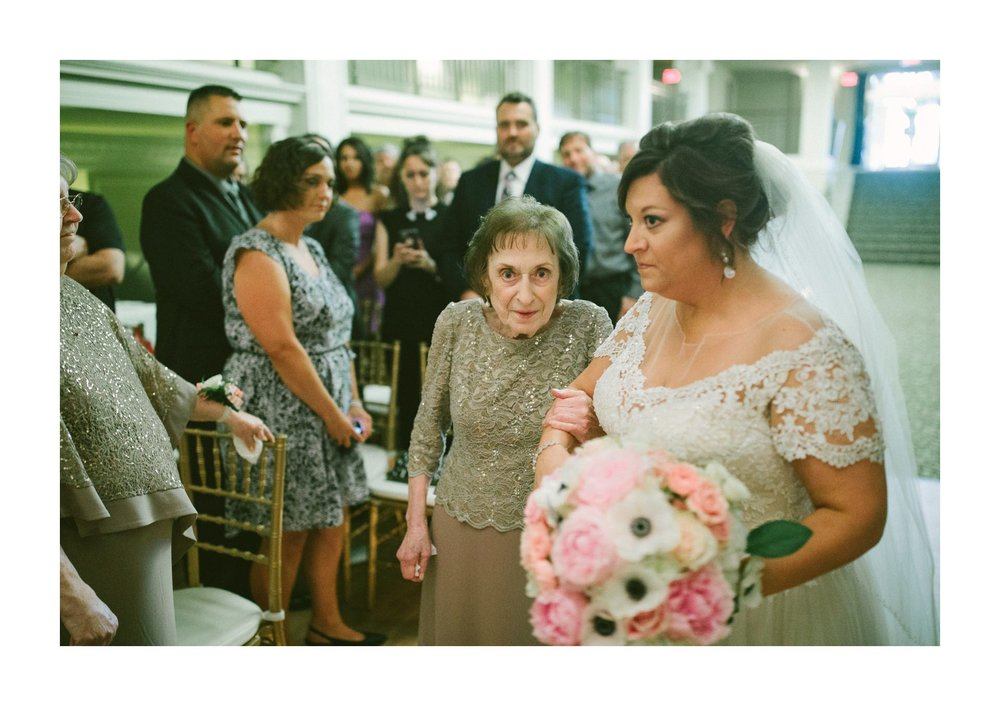 Cleveland Wedding Photographer 20.jpg