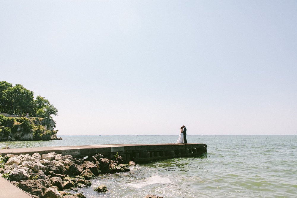 Catawba Island Club Wedding Photographer 1 19.jpg