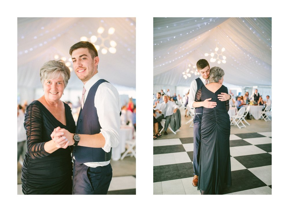 Catawba Island Club Wedding Photographer 2 23.jpg