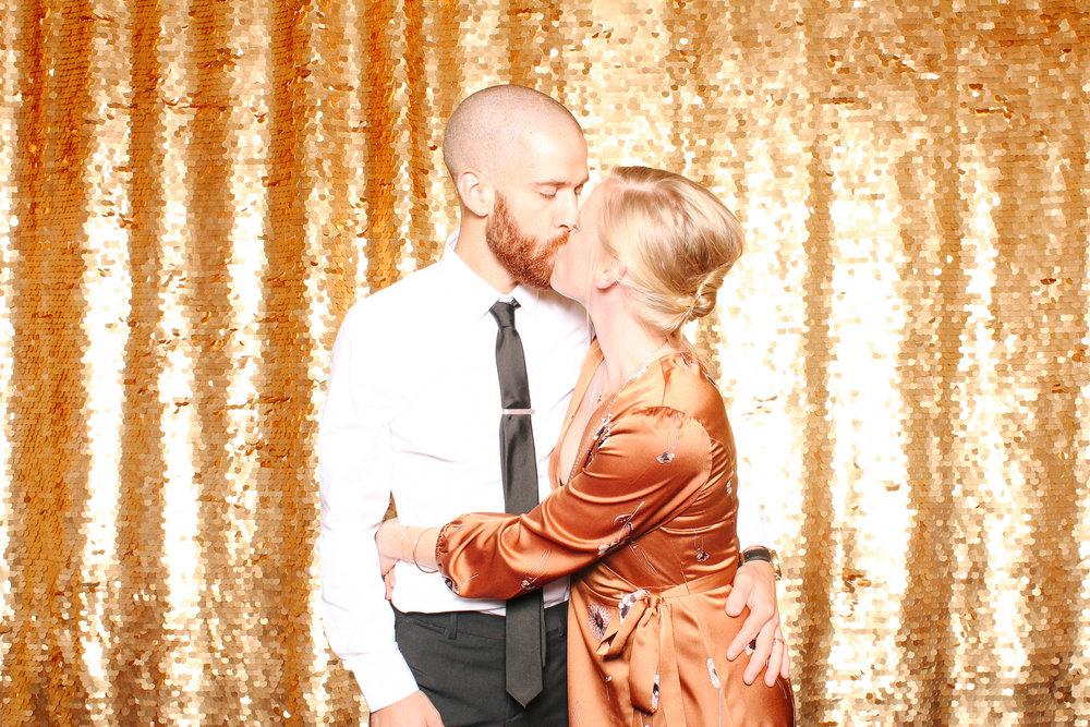 00082 Union Club Wedding Photobooth in Cleveland.jpg