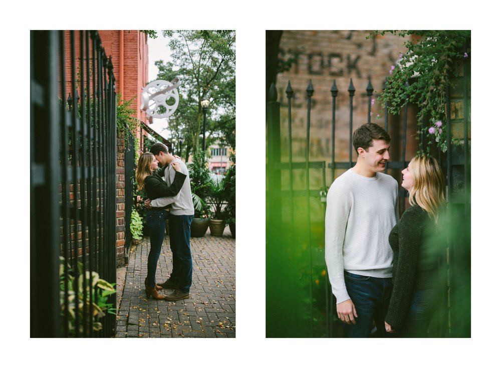 Ohio City Engagement Photographer 3.jpg