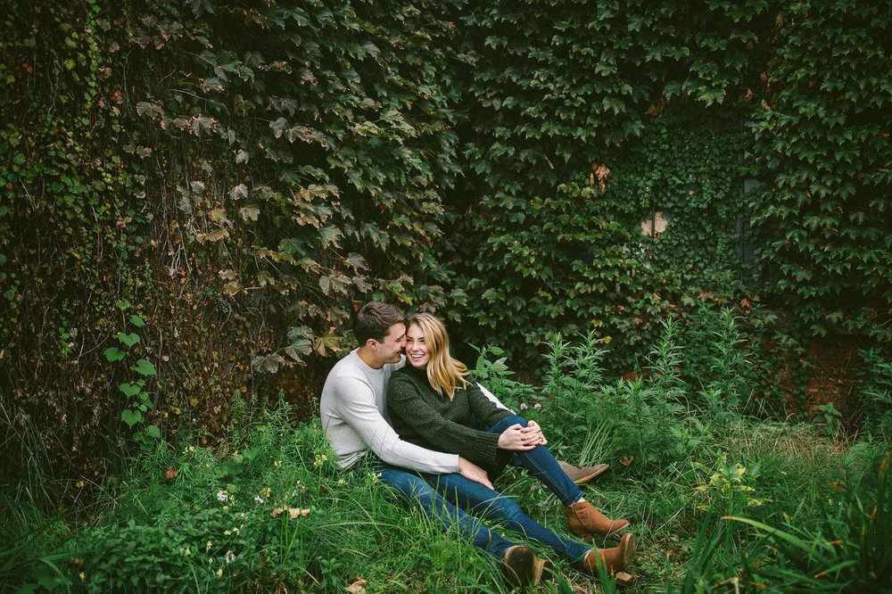 Ohio City Engagement Photographer 15.jpg
