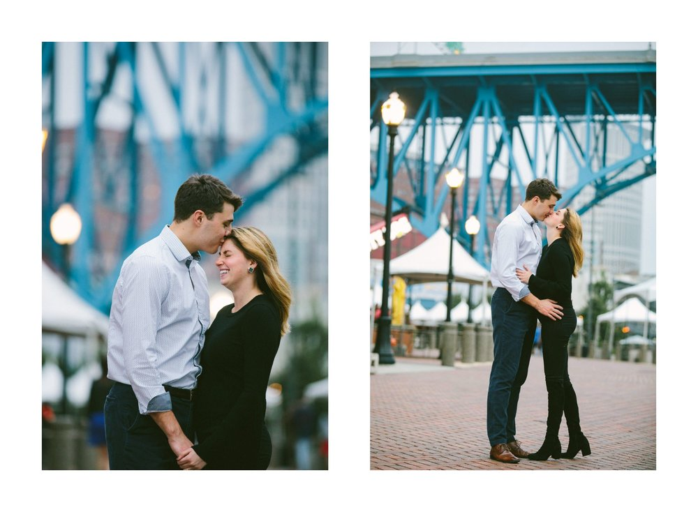 Ohio City Engagement Photographer 23.jpg