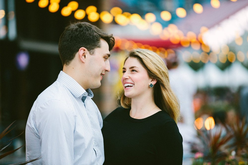 Ohio City Engagement Photographer 24.jpg