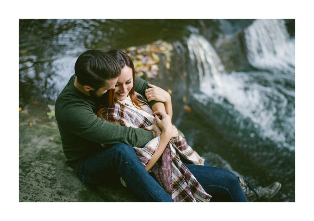 Olmsted Fall Covered Bridge Engagement Photos 16.jpg