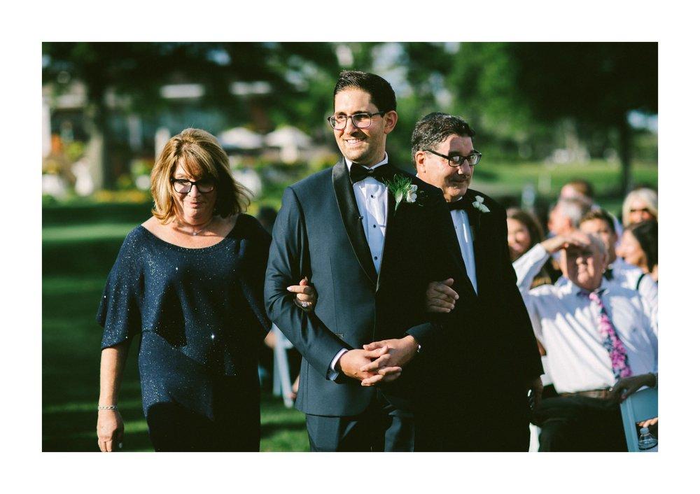 Beechmont Country Club Wedding Photographer in Beachwood 2 9.jpg