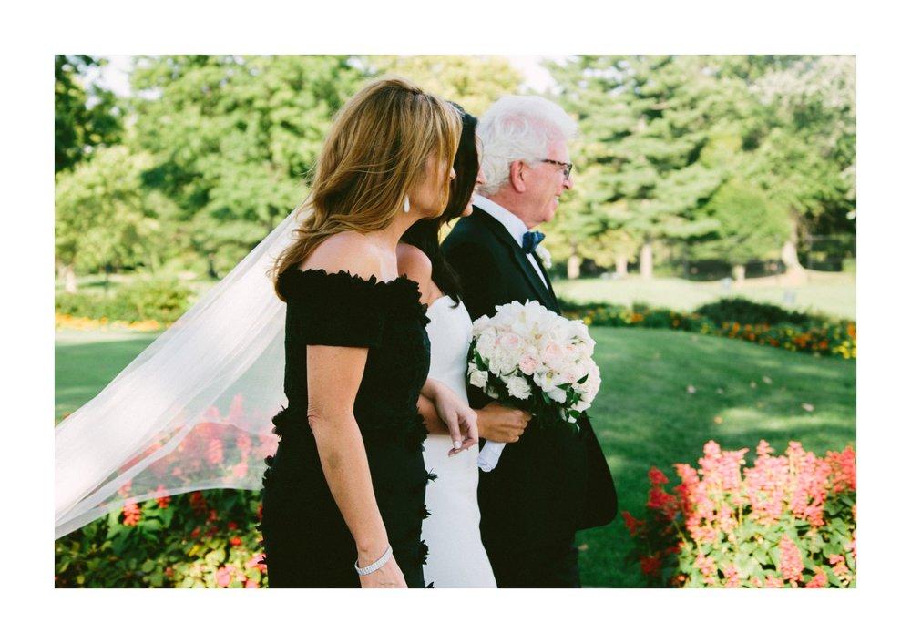Beechmont Country Club Wedding Photographer in Beachwood 2 15.jpg