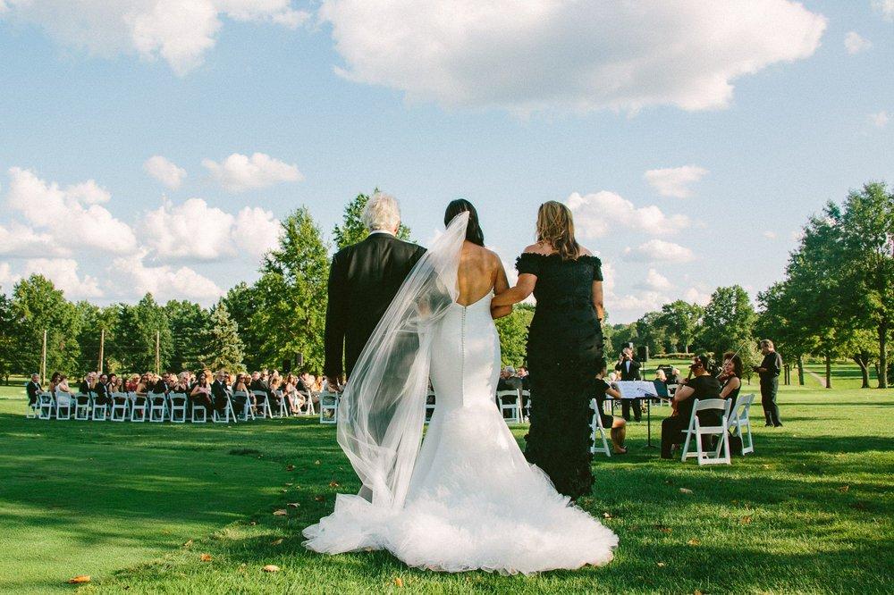Beechmont Country Club Wedding Photographer in Beachwood 2 16.jpg