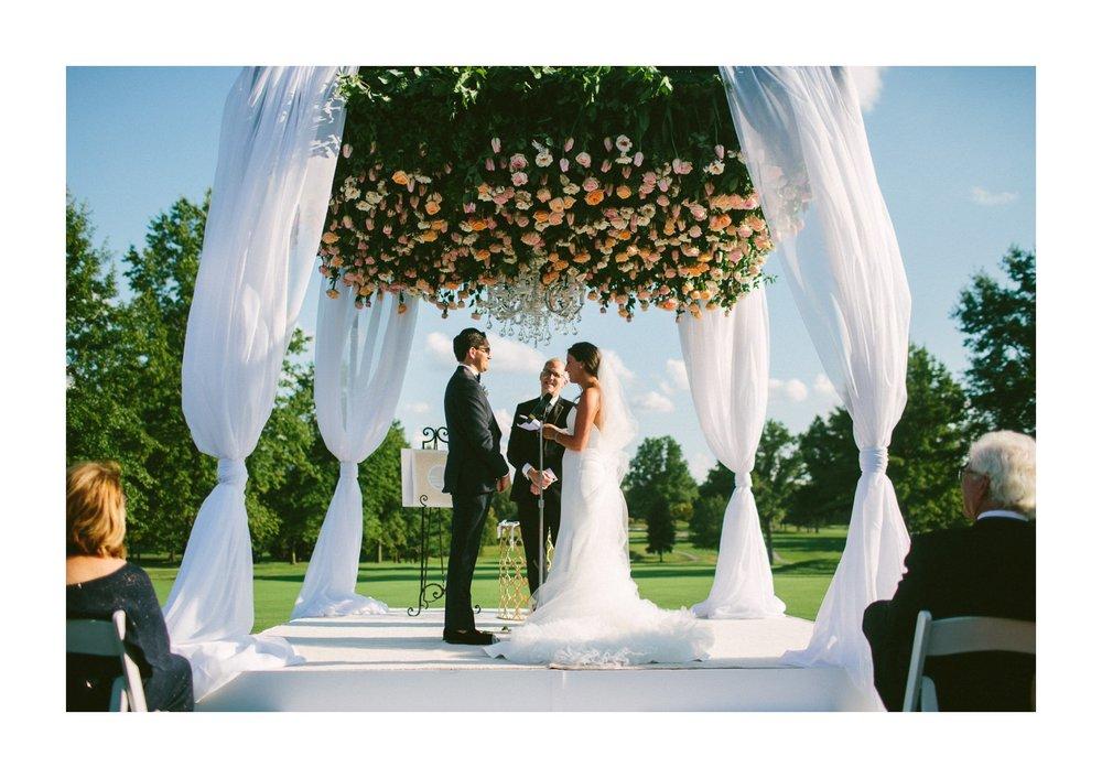 Beechmont Country Club Wedding Photographer in Beachwood 2 21.jpg