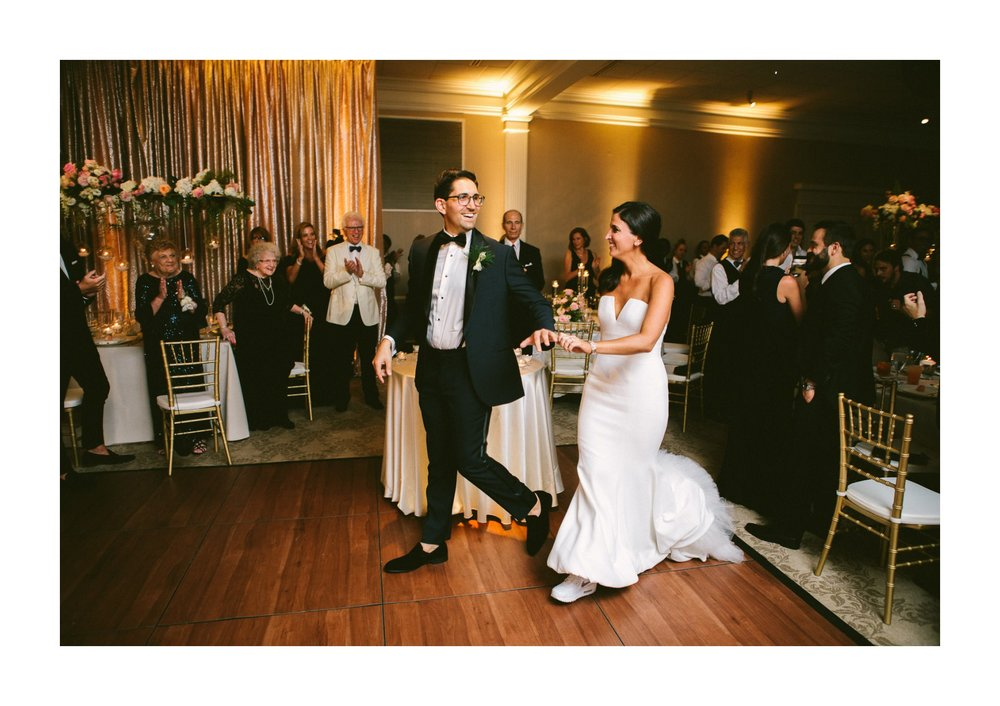 Beechmont Country Club Wedding Photographer in Beachwood 3 1.jpg