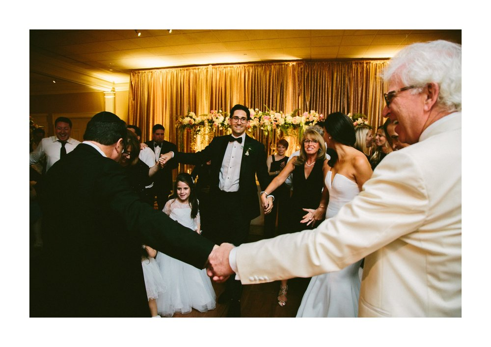 Beechmont Country Club Wedding Photographer in Beachwood 3 15.jpg