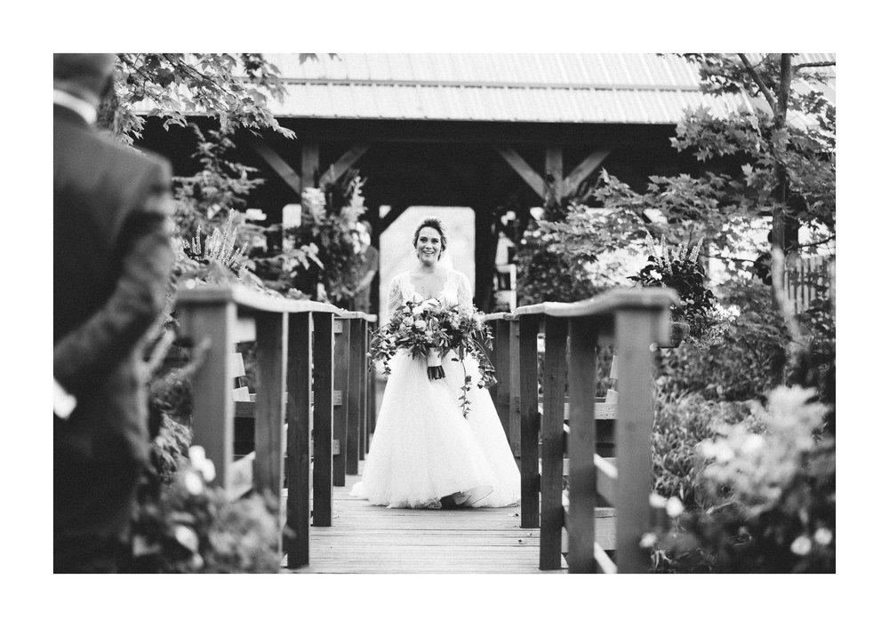 Meadow Ridge Farm Wedding Photos in Windsor 2 19.jpg