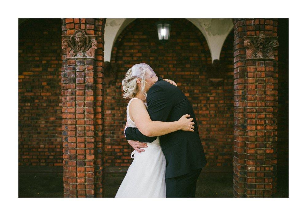 Goldhorn Brewery Wedding Photos in Cleveland 1 30.jpg