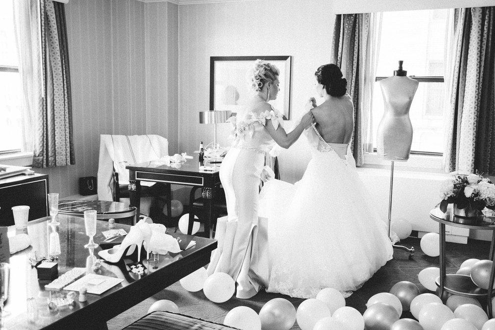 Renaissance Hotel Wedding Photos in Cleveland 1 19.jpg