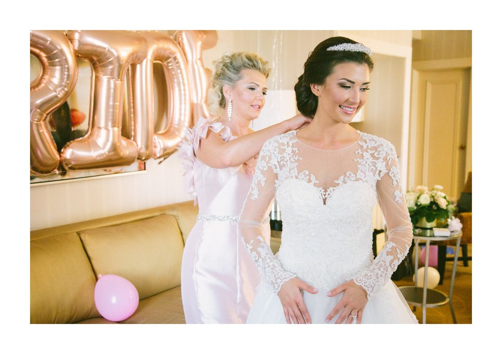 Renaissance Hotel Wedding Photos in Cleveland 1 20.jpg