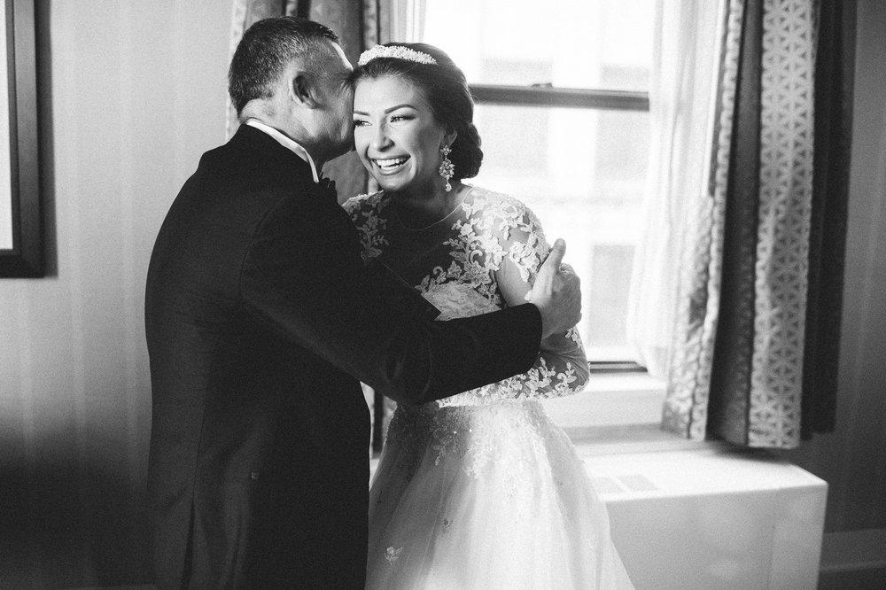 Renaissance Hotel Wedding Photos in Cleveland 1 29.jpg