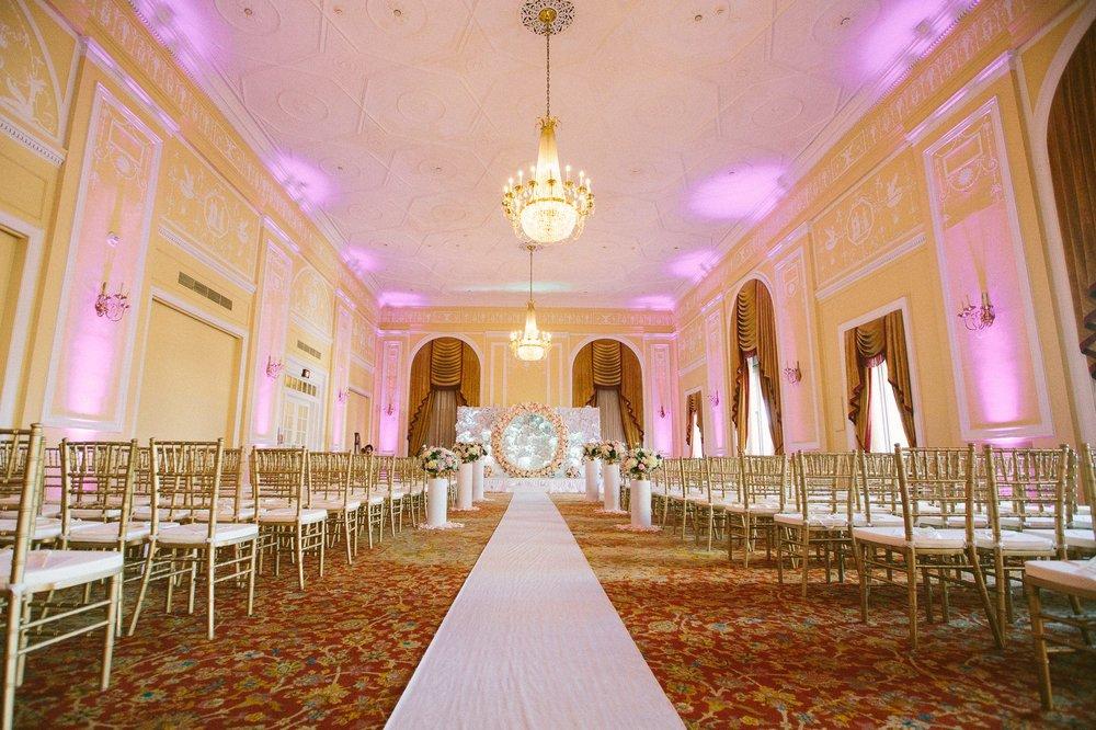 Renaissance Hotel Wedding Photos in Cleveland 1 44.jpg