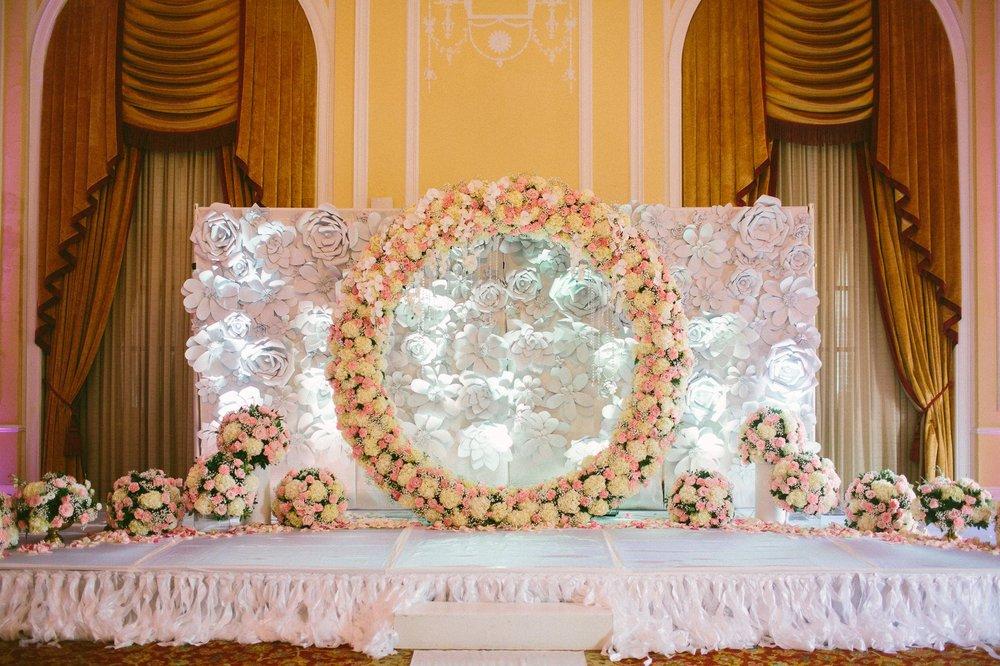 Renaissance Hotel Wedding Photos in Cleveland 1 46.jpg
