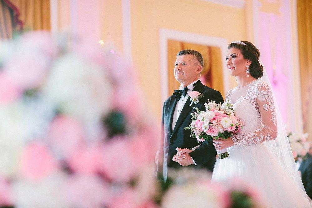 Renaissance Hotel Wedding Photos in Cleveland 2 11.jpg