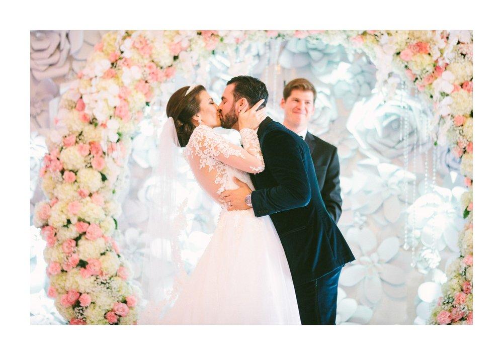 Renaissance Hotel Wedding Photos in Cleveland 2 22.jpg