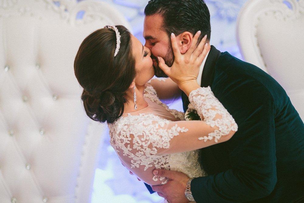 Renaissance Hotel Wedding Photos in Cleveland 3 31.jpg