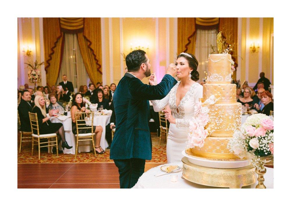 Renaissance Hotel Wedding Photos in Cleveland 3 34.jpg