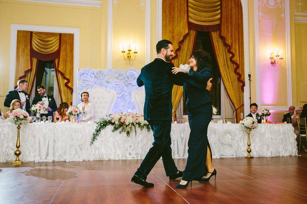Renaissance Hotel Wedding Photos in Cleveland 3 46.jpg