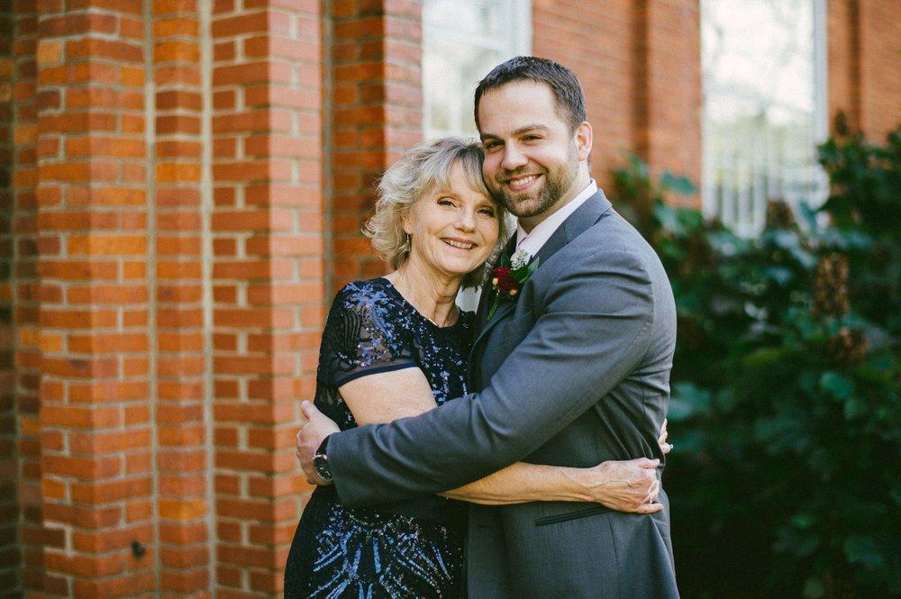 Patterson Fruit Farm Wedding Photographer in Cleveland 1 5.jpg