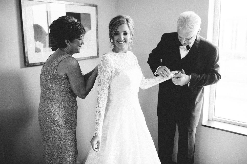Lake Erie Buidling Wedding Photographer in Lakewood 1 12.jpg