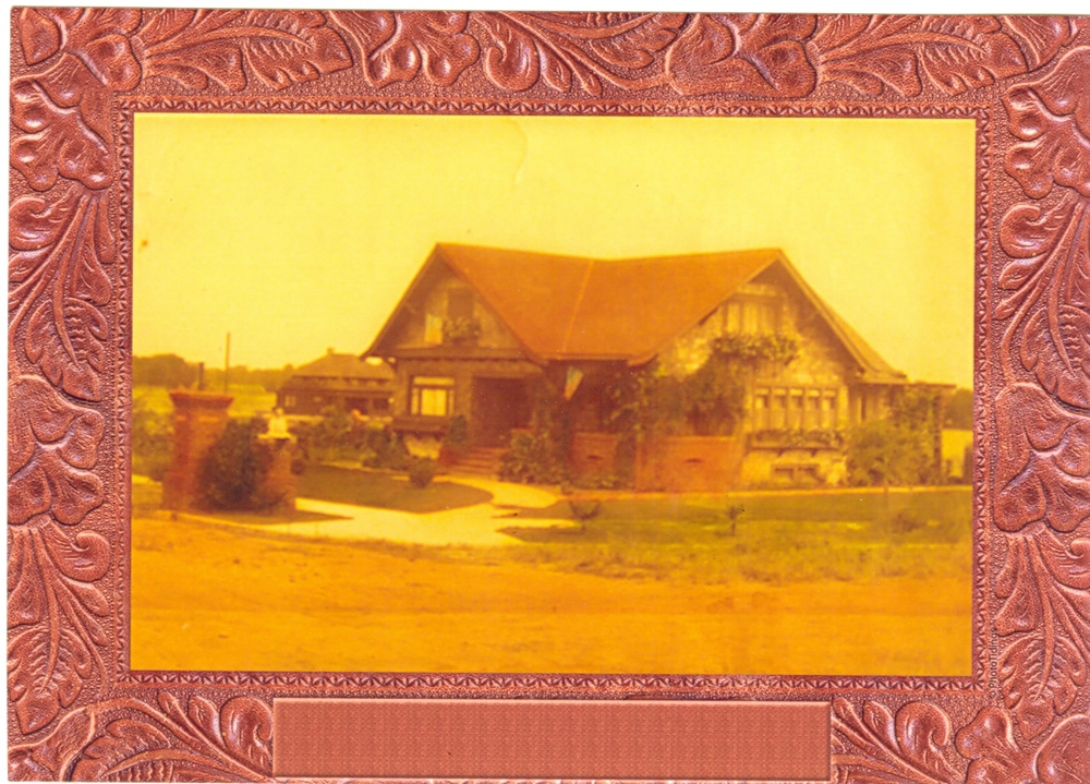 Old house picture.jpg