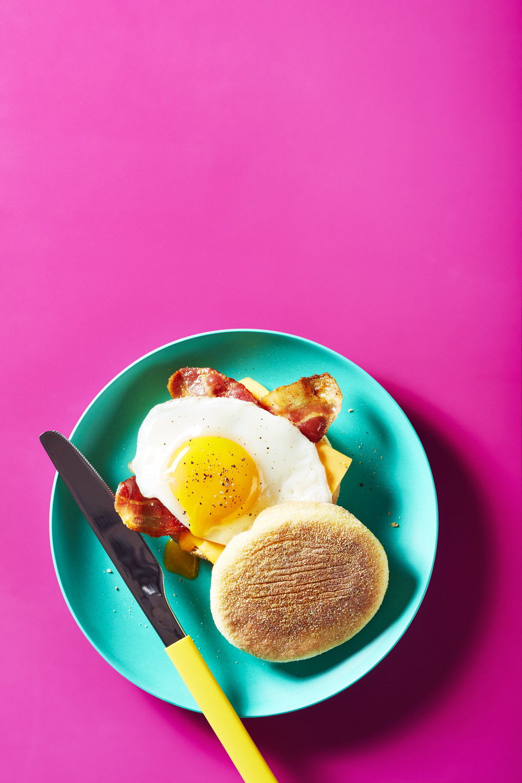 p10_breakfast_2a_baconeggbiscuit_v2_FINAL_CJI_WEB.jpg