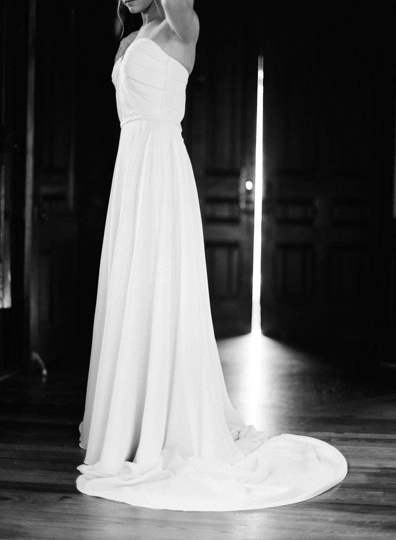 Film Photographer Wedding 04.jpg