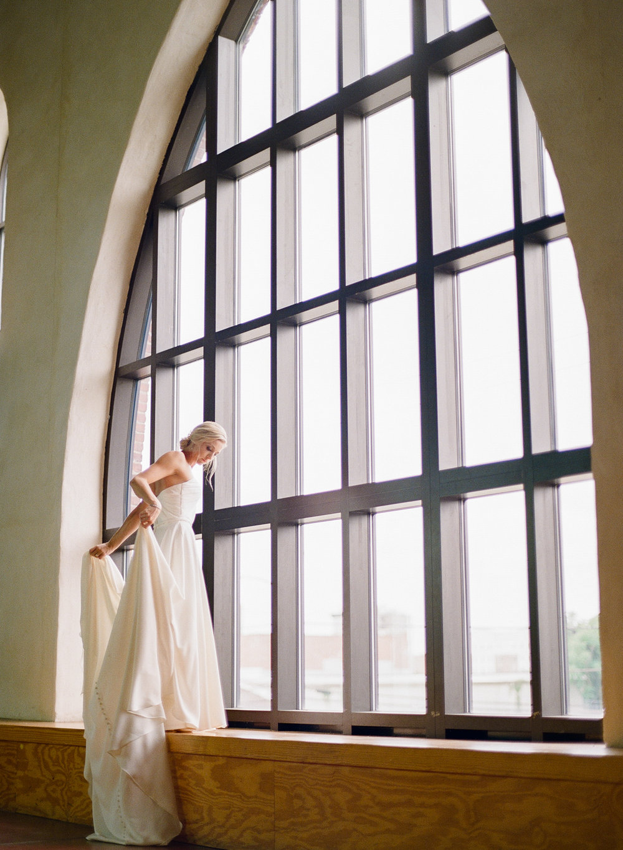 Film Photographer Wedding 10.jpg