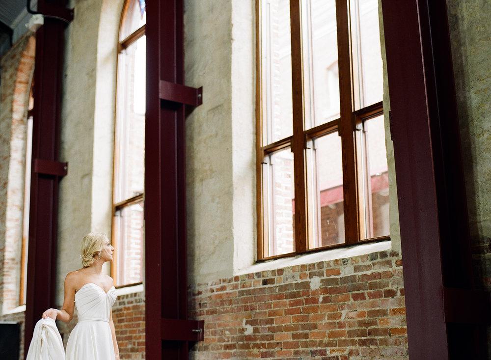 Film Photographer Wedding 17.jpg