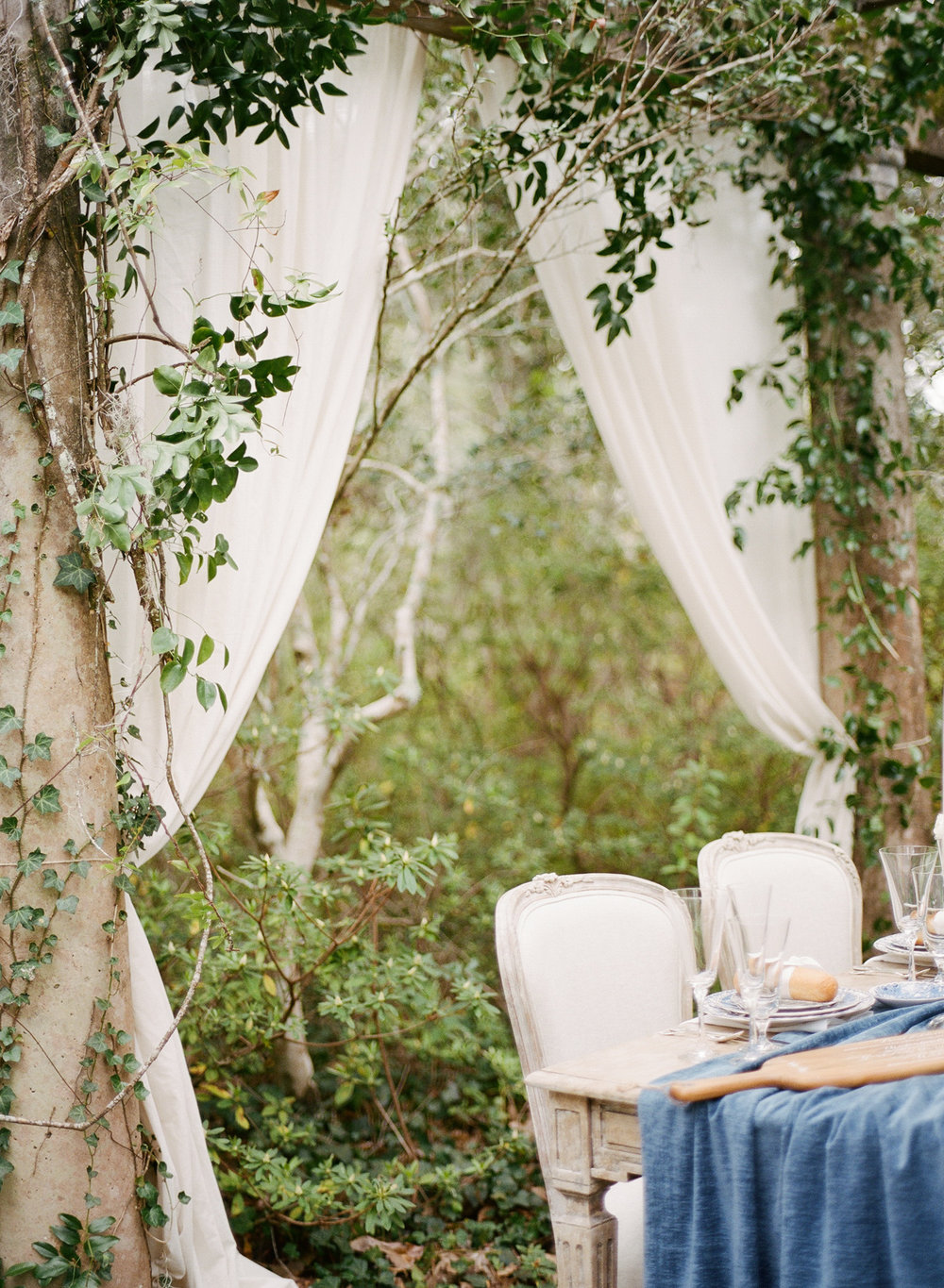 Airlie-gardens-wedding-nc-film-photographer-02.jpg