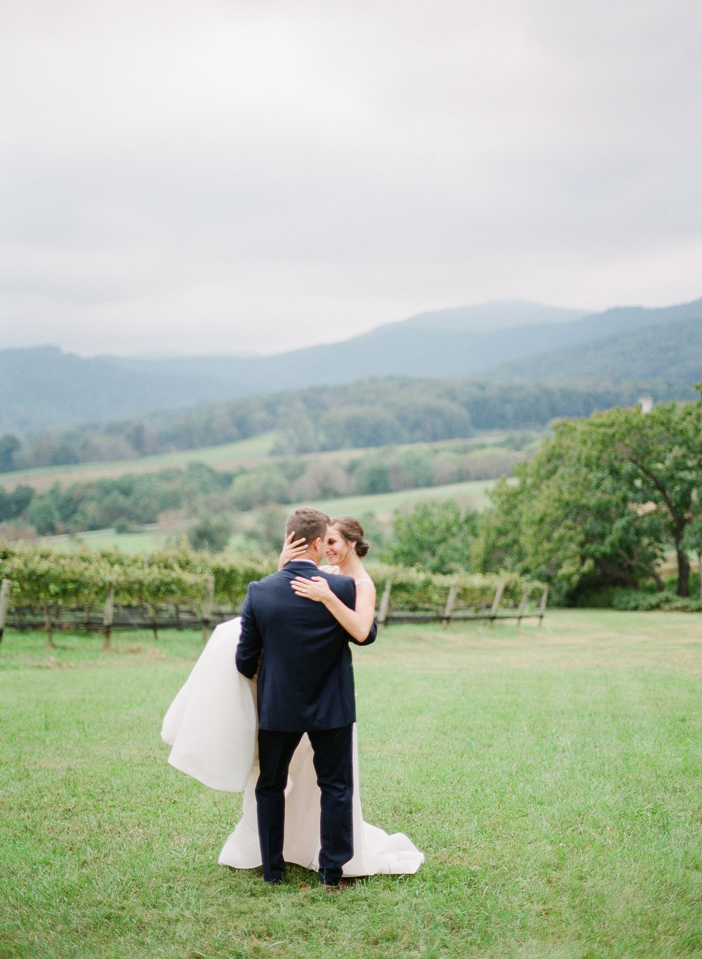 Pippin-Hill-Farm-and-Vinyards-Wedding-Film-Photography-27.jpg