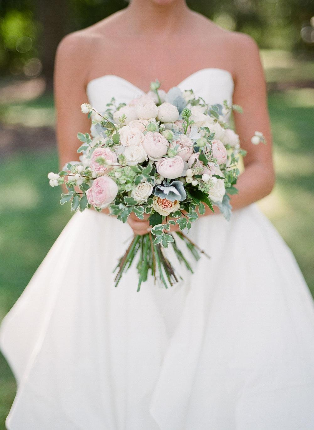 Airlie-Gardens-Wedding-17.jpg