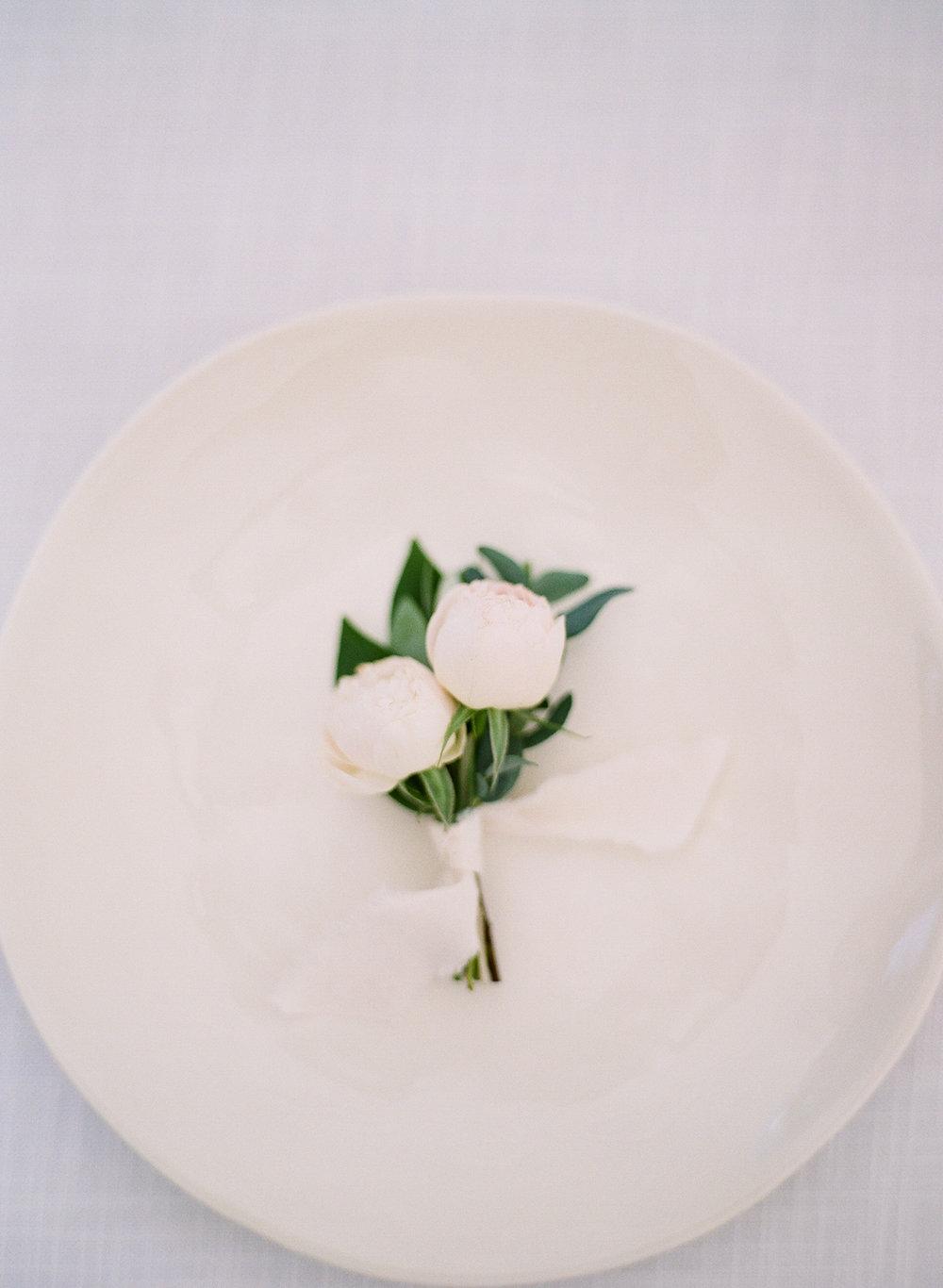 Airlie-Gardens-Wedding-38.jpg