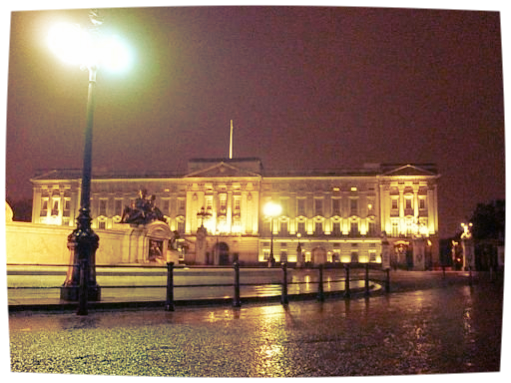 Buckingham by night