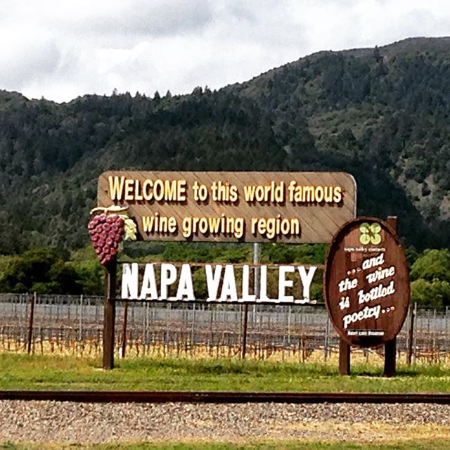 It's #traveltuesday . . . Where will you go next? Here's the #welcome sign in #NapaValley The key to conquering #Napa? PACING yourself 😜🍷#bottledpoetry