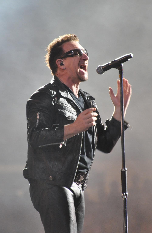 Bono / U2TOURFANS