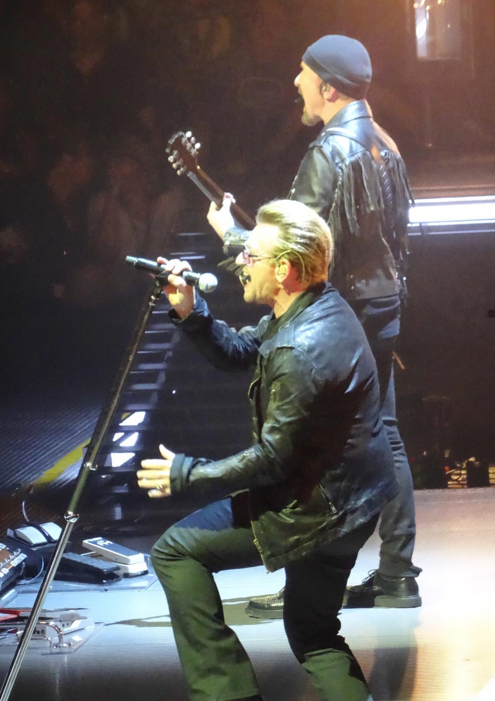 U2-4-09.jpg